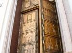 Wejście do Biblioteki Uniwersytetu Stefana Batorego w Wilnie
