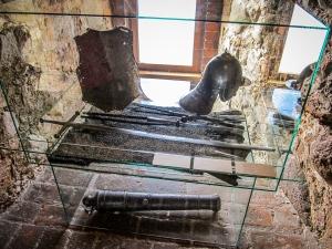 Muzeum Zamku Górnego - ekspozycja uzbrojenia