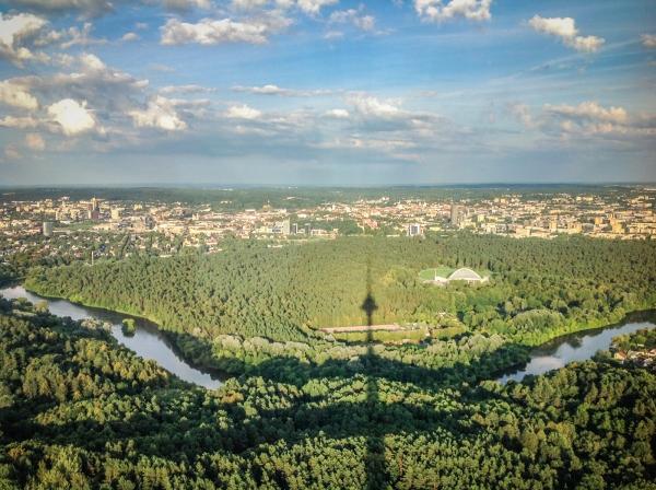 """Wieża telewizyjna w Wilnie. Restauracja """"Paukščių takas"""""""